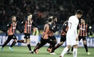 Shakhtar sai perdendo, mas consegue virada com golaço de Fred e vence a Roma pela UCL