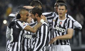 Gabbiadini hace temblar al líder