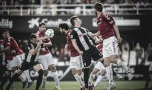 El Real Murcia se lleva el derbi