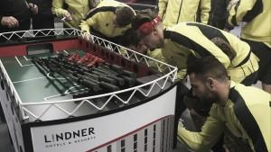 El Villarreal subastará el futbolín solidario