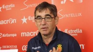 """Fernando Vázquez: """"El conjunto que psicológicamente supere los momentos difíciles, se quedará en la categoría"""""""