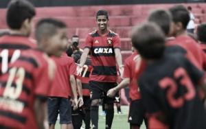 """Meia Gabriel celebra acerto com Sport: """"Vim com intuito de ajudar e fazer um grande ano"""""""