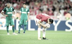 """Após marcar na reestreia, Leandro Damião prioriza triunfo: """"Importante é vitória do Inter"""""""