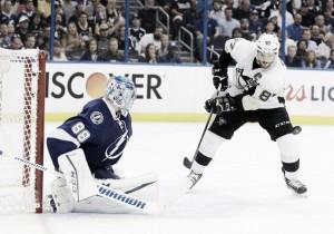 Pittsburgh Penguins steal game 3 onroad, beat Tampa Bay Lightning 4-2