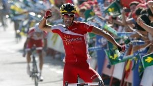 Vuelta a España Stage Thirteen: Dani Navarro strikes late