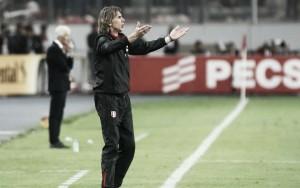 Gareca destaca apoio da torcida do Peru após assegurar vaga na repescagem para Copa 2018