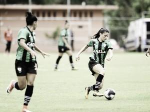 Com ótima estreia, equipe feminina do América-MG avança para segunda fase em competição
