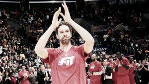 Emotivo homenaje de los Lakers a Pau Gasol en su vuelta al Staples Center