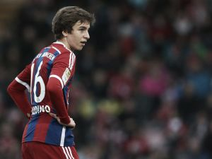 Starke extends at Bayern, Gaudino signs first professional deal