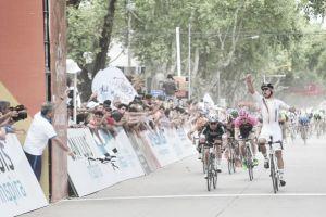 Fernando Gaviria sorprende a Cavendish en Villa Mercedes