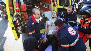 Un joven palestino apuñala a 16 personas que viajaban en autobús