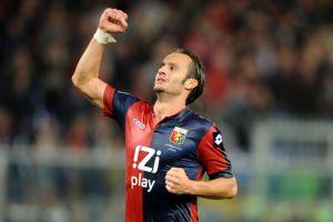 La Lazio perdonó ante el Genoa y lo pagó caro