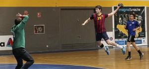 BM Huesca apuntala el extremo derecho