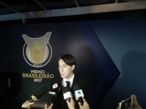 """Em boa fase no Grêmio, Geromel descarta deixar o clube: """"Possibilidade zero"""""""