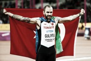 World Athletics Championships: Ramil Guliyev takes surprise 200m gold