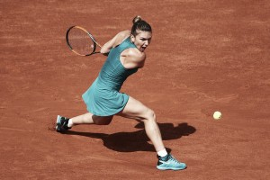 French Open: Simona Halep slides past Taylor Townsend