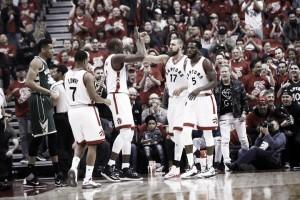 Em jogo de altos e baixos, Toronto empata série com Milwaukee