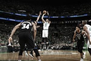 Em jogo emocionante, Celtics vencem Bucks na prorrogação e saem na frente nos playoffs