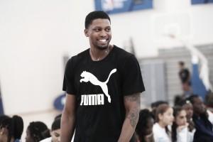 Spurs y Raptors, totalmente diferentes para Rudy Gay