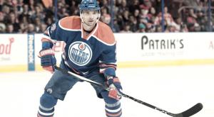 Alerta en Edmonton: Andrej Sekera causa baja de largo plazo por lesión en el cruzado
