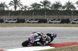 MotoGP, Lorenzo in testa nelle FP2 a Sepang