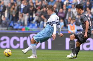 Candreva rescata la ilusión de la Lazio
