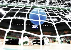 Após polêmicas, brasileiras goleiam Argélia no goalball e avançam às quartas de final