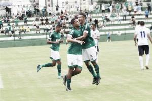 Goiás derrota a Aparecidense e segue na liderança do Campeonato Goiano