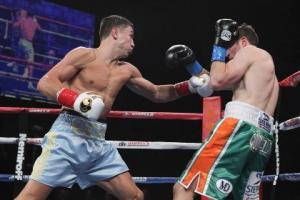 Golovkin gana de forma contundente a Macklin en 3 asaltos