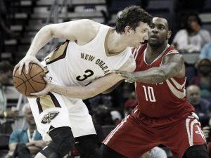 Omer Asik renueva con New Orleans Pelicans