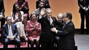 Gordillo recibe la Medalla de Sevilla