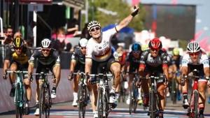 Volta a Itália: Greipel ganha ao sprint