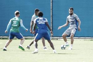 Grêmio encara Ponte Preta mirando sequência de vitórias e manutenção da vice-liderança