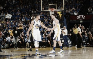 Los Warriors de Curry (73-9) le quitan el récord a Jordan y sus Bulls (72-10)