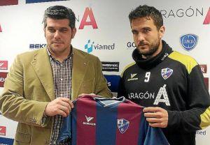 Guillem Martí se queda en Huesca