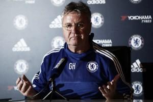 Hiddink: ''Tenemos que considerar la situación en la que está el Chelsea''