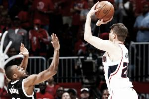 Gli Hawks decollano in Gara-1 e sconfiggono Brooklyn