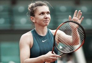 French Open: Simona Halep suffers huge scare, storms past Alison Riske in three sets