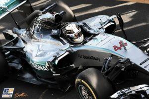 Mercedes no cede la primera posición