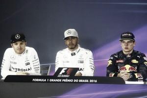 """Lewis Hamilton: """"Estamos haciendo historia"""""""