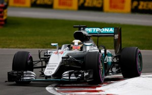 Formula 1, ultimi test ad Abu Dhabi: Hamilton si ferma dopo 5 giri