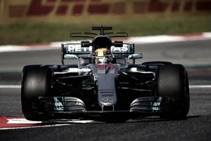 Hamilton lidera treinos livres para o GP da Espanha