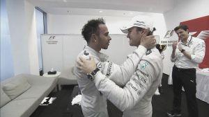 Lewis Hamilton se lleva una dura batalla con deportividad final