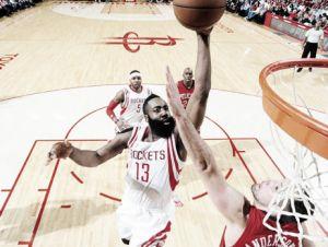 Harden acerca a los Rockets al segundo puesto y da vida a los Thunder