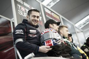 Leon Haslam cambia Honda por Aprilia