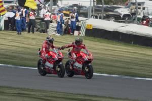 """""""Mondo Ducati"""" - A Indianapolis sportellate tra Hayden e Dovi. Spies KO"""