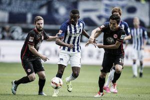 El Eintracht deja escapar la victoria en la recta final