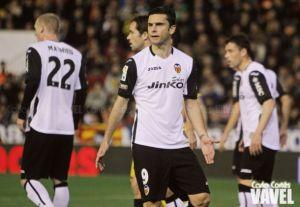 Postiga rescinde con el Valencia y ficha por el Dépor