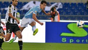 La Lazio se lleva la victoria jugando con diez