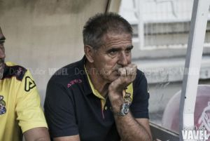 """Paco Herrera: """"Yo he roto al equipo con los cambios"""""""